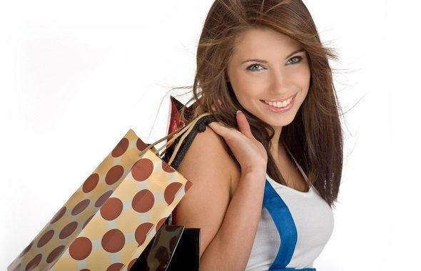 Девушка совершила покупку в интернет-магазине